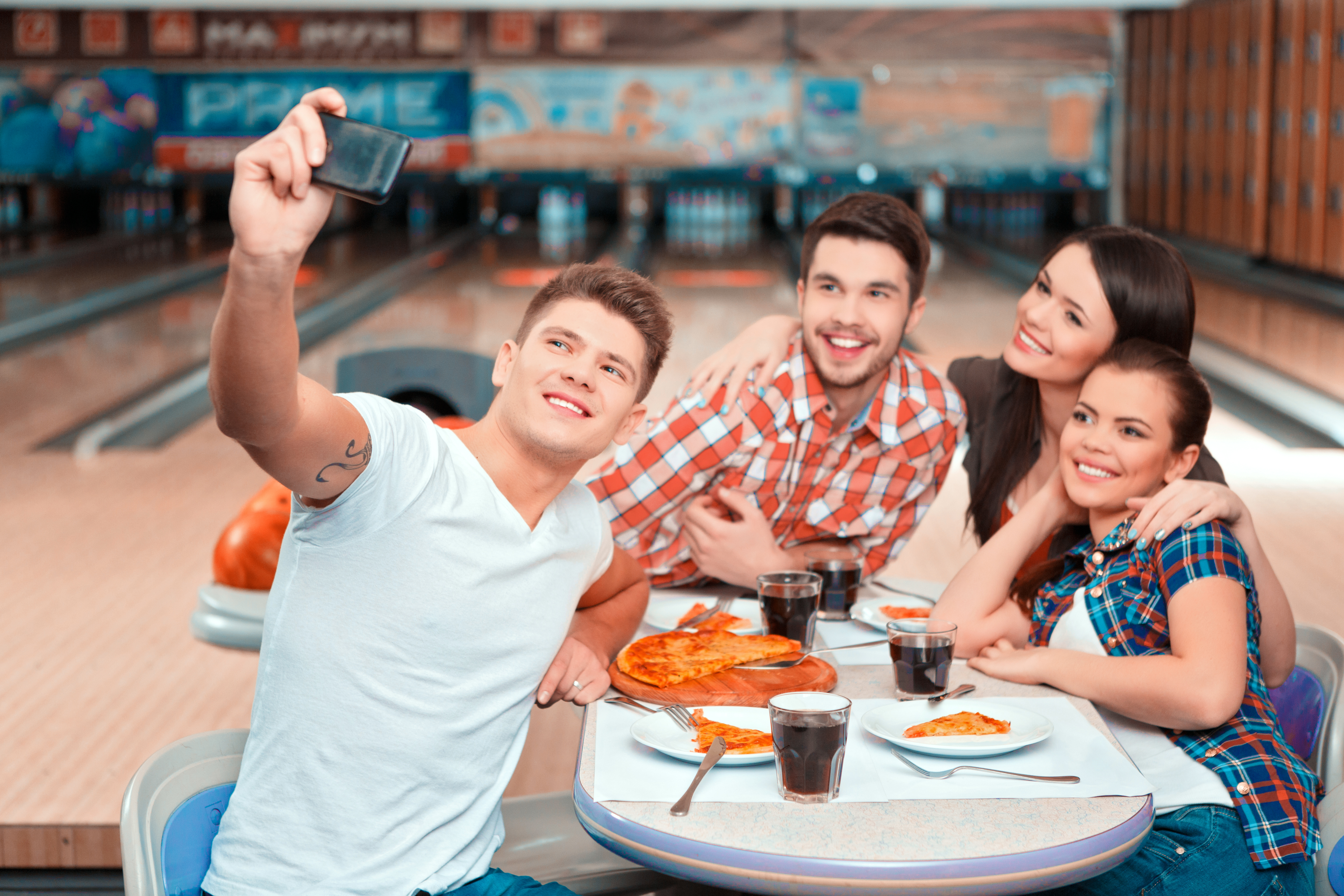 bowling and pizza on lanes | walk up snack bar | sluggers sports bar | bowling appleton | appleton, wi | super bowl family entertainment center