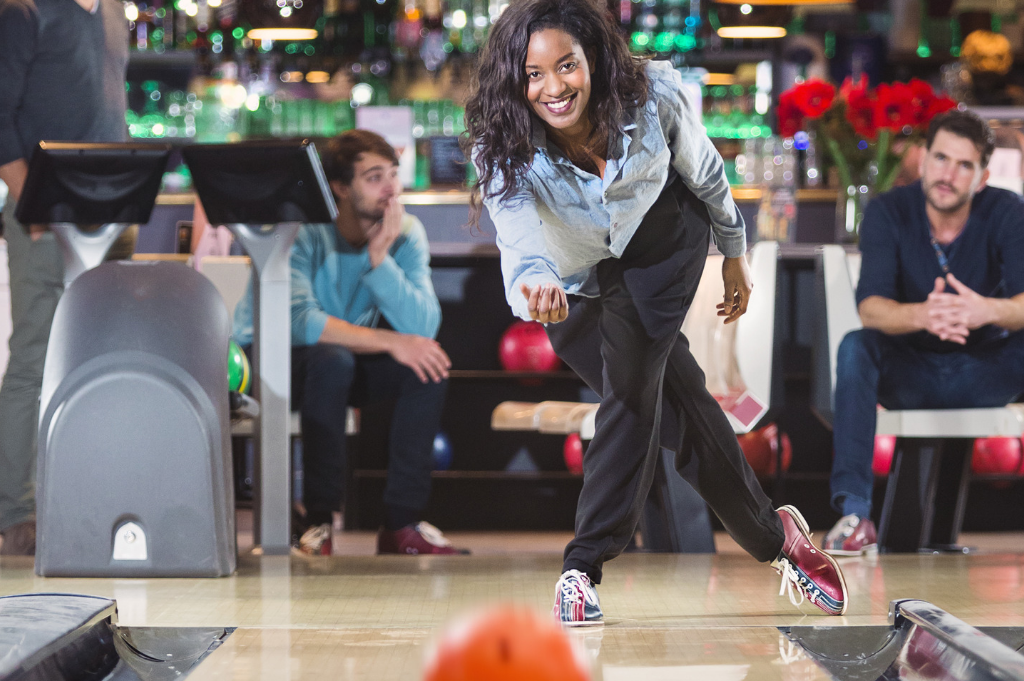 woman bowling | appleton bowling | super bowl family entertainment center | appleton, wi