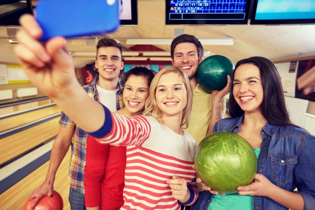 bowling selfie | open bowling | open bowling lanes | social bowling | bowling promotions | super bowl family entertainment center | appleton, wi